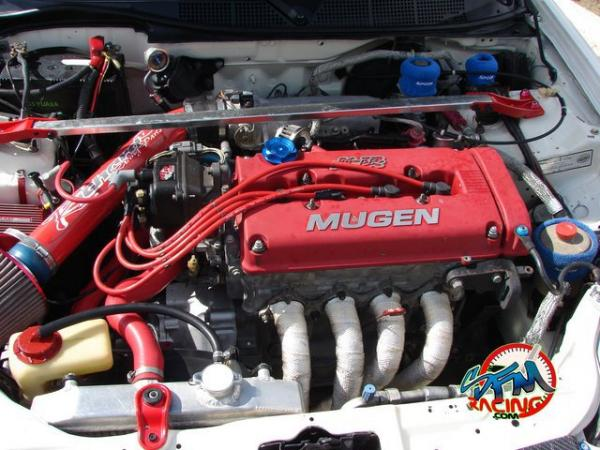 Engine bay, have some more modifications, this is a old